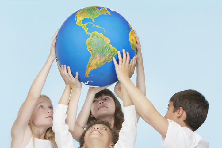 wereldbol Kindercoach, jongerencoach en RT